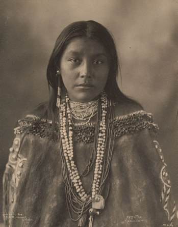 american woman_1st Nations